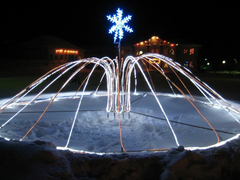 Новый 2011 год в Докшицах. Фонтан.